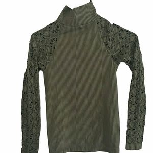 3/$15 INTIMATELY FREE PEOPLE Ribbed Mock Top M